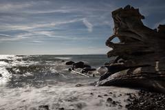 Strand in Sassnitz auf Rgen (drummerwinger) Tags: rot strand meer ostsee rgen wasser himmel sonne wellen steine canon700d sigma sassnitz gischt unruhe urlaub licht spiegelung langzeitbelichtung