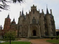 Palacio de Gaud (Astorga - Len - Castilla Len - Espaa) (Mara Grandal) Tags: palacio gaud astorga len castilla espaa europa