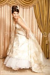 Runaway Bride (Pilar Rangel // Fotografia) Tags: wedding beautiful bride retrato boda thoughtful pensativa