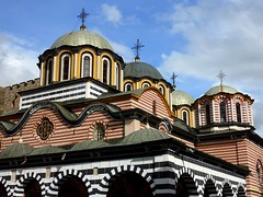 The church at Rila monastery (Frans.Sellies) Tags: heritage church iglesia kirche unescoworldheritagesite unesco worldheritagesite monastery bulgaria rila orthodox glise unescoworldheritage monasterio monastere klooster kloster worldheritage weltkulturerbe whs bulgarie worldheritagelist welterbe bulgarije bulgarien  kulturerbe bulharsko bulgaristan patrimoniodelahumanidad unescowhs  patrimoinemondial  werelderfgoed vrldsarv    werelderfgoedlijst verdensarven    ph118          p1280345