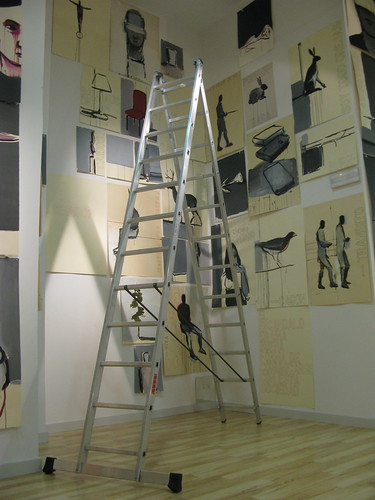 Vista instalación MUY CERCA...PERO SIN TOCAR. by SUSO BASTERRECHEA