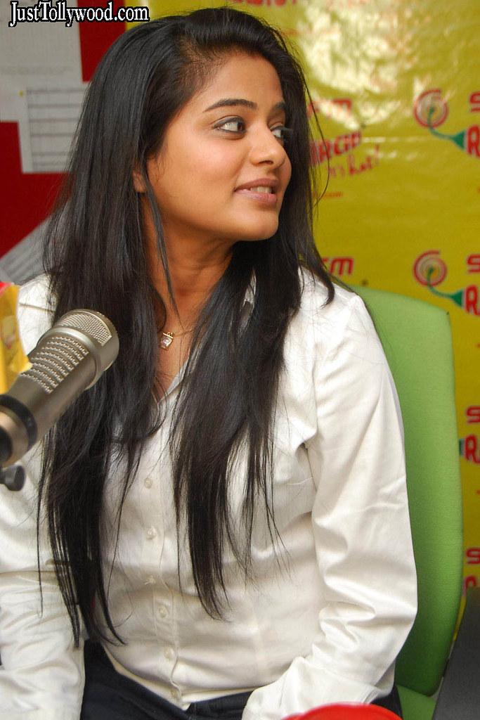 priyamani at radio mirchi - 6