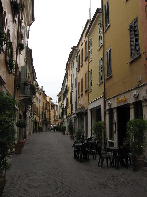 マントヴァの路地裏のフリー写真素材