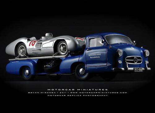 Mercedes-Benz Renntransporter with W196 R Streamliner
