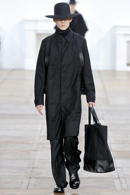 FW11_Paris_Dior Homme031(VOGUEcom)