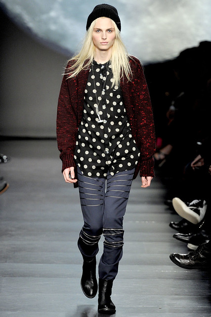 Andrej Pejic3113_FW11_Paris_Paul Smith BS(Dazed Digital)