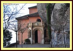 Santa Cova 111 (Fèlix González) Tags: españa spain nikon catalonia montserrat catalunya 18200 cataluña santacova d90 nikond90 nikond90club