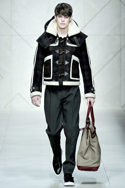 Jacob Young3001_FW11_Milan_Burberry Prorsum(VOGUEcom)