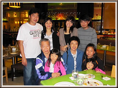My beloved family of 9 after a hearty dinner at Coffee Terrace, Genting Hotel