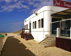 Captain Bar, Vieux Boucau, Aquitaine (Mark Bembenek) Tags: beer bar pub modernism surfing captain bier biere vieuxboucau concretebuilding captainbar