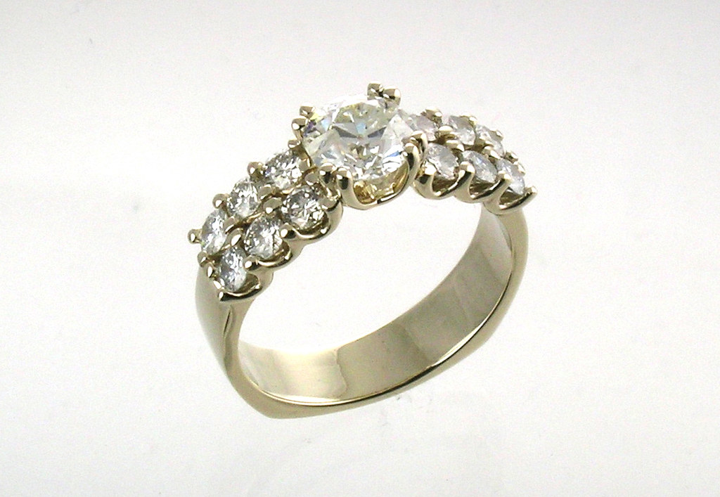 Double-Row Shared Prong Ring