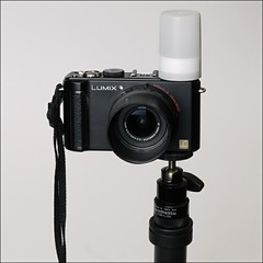 Lumix DMC-LX3 with film can flash diffuser and adapter tube (juliensart) Tags: panasonic lx3 dmc juliensart flash diffuser photography technic fotografie test lx5 lx7 leica cannister flits flitsen flashing techniques tips trics diy dingen spullen things februari2011 lumix manfrotto stuff