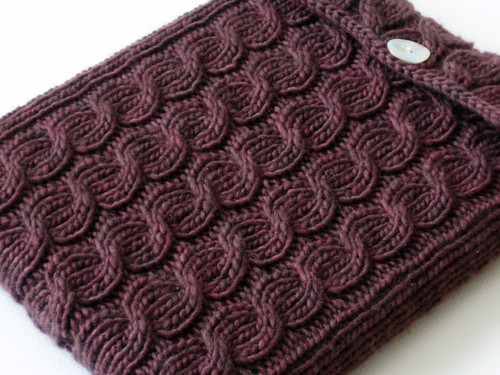 cabled ipad sleeve g 1