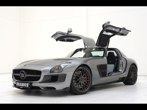 2011-Brabus-Mercedes-Benz-SLS-AMG-700-Biturbo-Front-And-Side-Open-Doors-1280x960