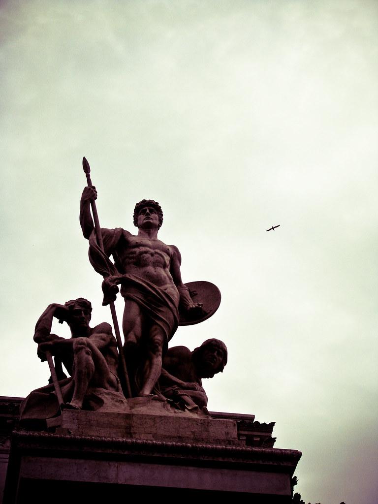 electric_kitty tags rome silhouette statue laforza monumenttovittorioemanueleii