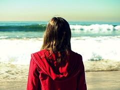 [フリー画像] 人物, 女性, ビーチ・砂浜, 後ろ姿, 201103161500