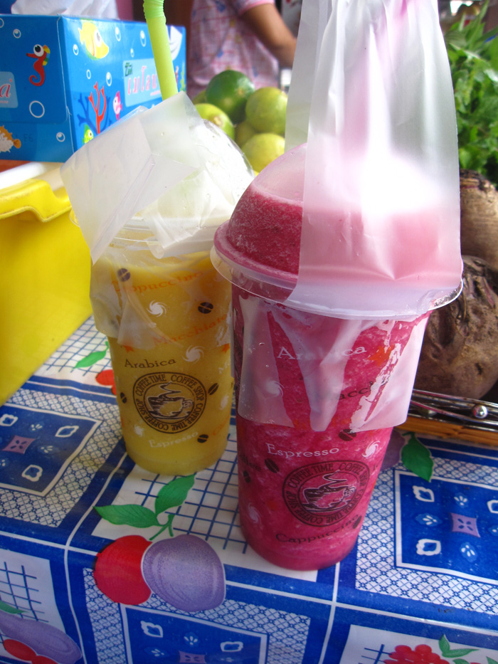 5536369177 e70b54a963 o Bangkoks Best Fruit Shake   Blended Nectar Anyone?