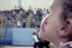 O que passa na cabeça de uma criança carente? (mendoncakarine) Tags: criança destino futuro carente coragem