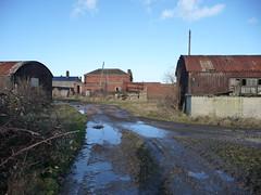 rail entrance (seanofselby) Tags: urban abandoned spur store decay railway pauls selby bocm ammuniton