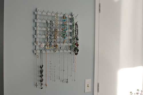 necklace-holder-side
