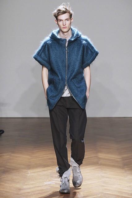 FW11_Milan_Albino Deuxieme019_Adrian Bosch(Simply Male Models)