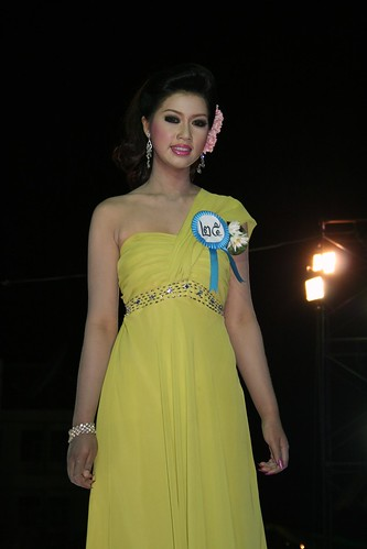 Thai Beauty Contestants Isaan Thailand