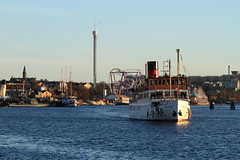 Stockholm Harbour VI (AdurianJ) Tags: pictures camera canon europa europe fotograf sweden digitalcamera nordic dslr scandinavia europeanunion suecia lenses   northerneurope  nrdico escandinavia     adurianj