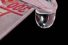 Drop of Water Macro (J. E. Gonzalez) Tags: test macro water closeup drop reflexion nikkormicro105mmf28 micro105mm