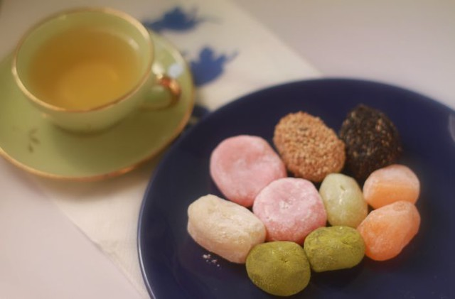 mochi and green tea