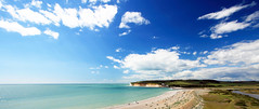 Eastbourne (Jay Rajamanickam) Tags: uk sea england beach nature landscape scenery eastbourne canonefs1022mmf3545usm canon400d