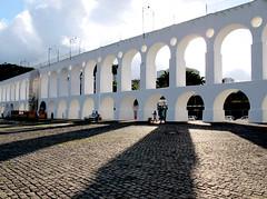 Arcos... (Luiz C. Salama) Tags: brazil arquitetura brasil riodejaneiro architecture interestingness explorer explore 500 destaque santateresa santatereza interessantes lapa