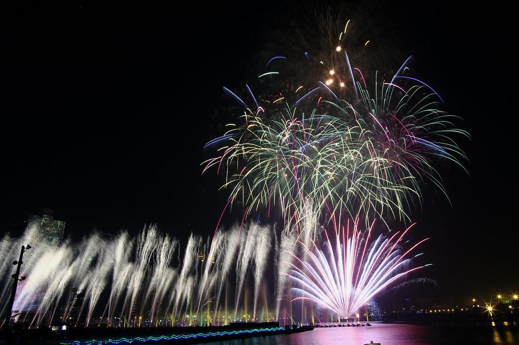 2/17 元宵節當日拍攝~ 高雄燈會藝術節