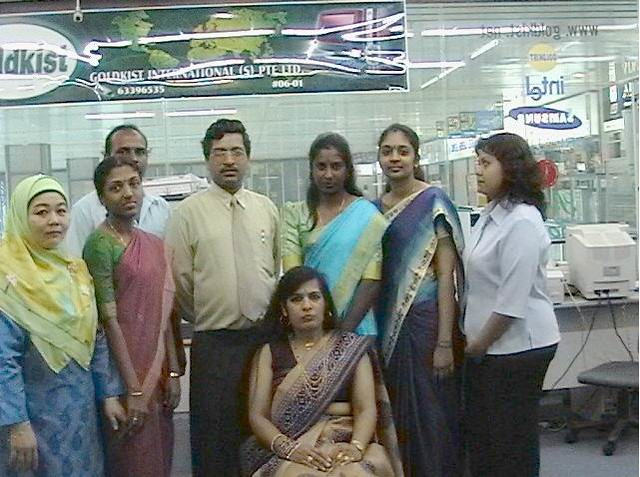Mr HD Gupta with his Singapore staff, picture from Goldkist International website