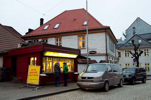 Trekroneren, hot dog stand