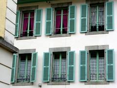 En choisissant le restaurant (The Shy Photographer (Timido)) Tags: france europe savoie chamonix mont blanc shyish