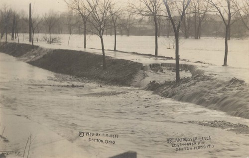 Breaking Over Levee, Edgewater Avenue, Dayton, OH - 1913 Flood