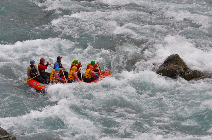 white water rafting with flying kiwi