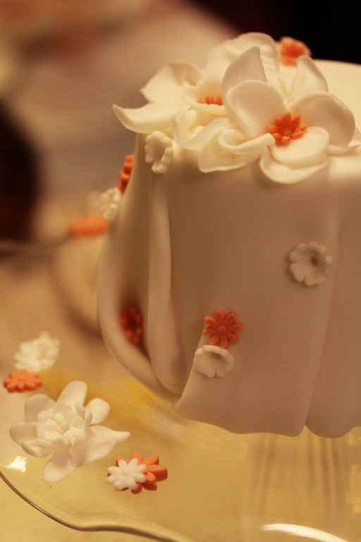 simply elegant little fondant wedding cake