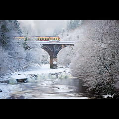 Avon Rail Bridge (PMMPhoto) Tags: bridge trees snow motion ice train river paul scotland frozen nikon arch  hamilton mcgee first rail scotrail 70300mm spt lanarkshire arched paulmcgee d700 donotusewithoutpriorpermission pmmphoto paulmcgee welcomeuk