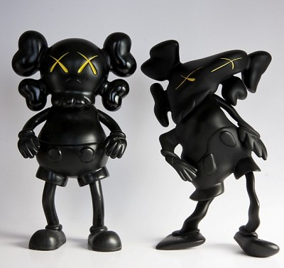 KAWS Companion OG vs Lazzarini