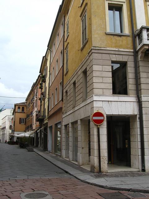 マントヴァの路地のフリー写真素材