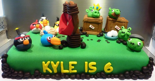 Angry Birds Cake Version !