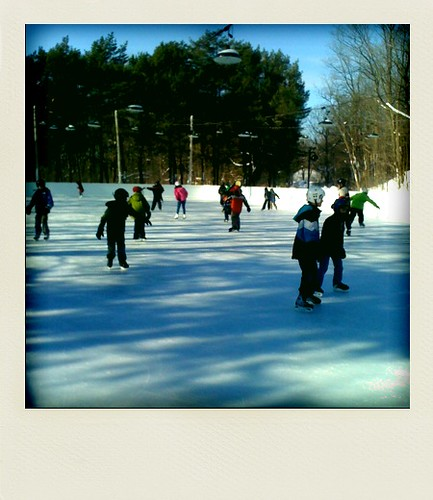 Kids on ice! Lookout!