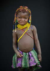 Mwila little girl - Angola (Eric Lafforgue) Tags: tourism culture tribal tribes tradition tribe ethnic tribo huila angola ethnology tribu tourismo 3232 ethnie  mumuila   mumuhuila mwila