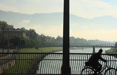 Salzach bridges, Salzburg (Loboalpha) Tags: city travel cidade salzburg bike bicycle rio fog fence river austria europe cit bridges ciudad bicicleta ciclista biker osterreich pontes contrejour myst salzach nevoeiro salzburgo vedao ustria canonefs1755mm canoneos450d