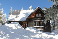 Have snow shovel, will travel (sofarsocute 'Pierrot') Tags: snow vancouver logcabin mtseymour nieva