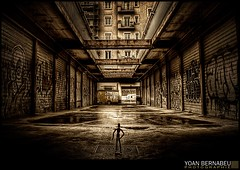 Alone (Yoan Bernabeu) Tags: street city urban france color art photoshop alpes canon french eos europe alone artistic rue mapping photoshoped tone hdr ville bernabeu seul mapped urbain rhone fvrier darl artistique lucis personnage yoan 2011 isre photomatix tonemapping efex 400d 20010220 oscedar