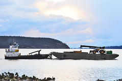 02-22-11 LITEWEIGHT (-jon) Tags: water boat ship crane vessel tugboat pugetsound tug sanjuanislands anacortes washingtonstate barge skagitcounty salishsea capsante fidalgoisland a266122photographyproduction