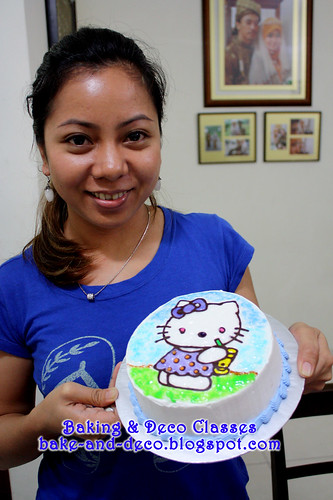 Batch 25 Dec 2010:Drawing on Buttercream Cake