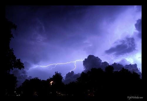 Lightning over the Koolaus